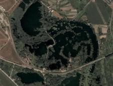 Lacul in forma de dinozaur