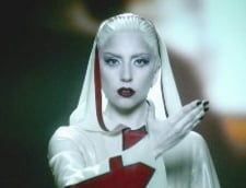 Lady GaGa moare in noul ei videoclip (Video)