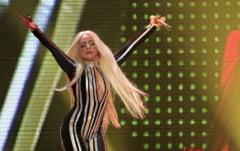 Lady Gaga a pozat nud (Video)