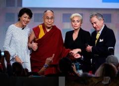 Lady Gaga si Dalai Lama au discutat despre cum pot face lumea un loc mai bun (Video)