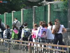 Lamuriri dupa ce premierul interimar a anuntat ca 93% din scoli nu au autorizatie de la pompieri