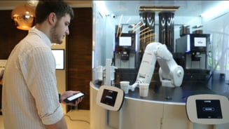 Lantul de cafenele in care aproape toti angajatii sunt roboti