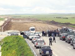 """Lantul slabiciunilor: intarzierea licitatiilor a """"impins"""" finalizarea a 150 km de autostrazi pentru 2016"""