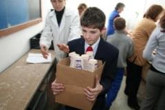 Lapte si corn pentru elevi din prima zi de scoala