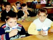 Lapte stricat pentru elevii din Arad