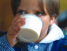 Lapte toxic in scolile din sectorul 2: Ontanu spune ca 30.000 de elevi ar fi fost afectati