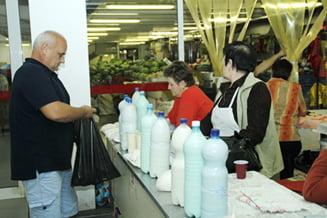 Laptele, reglementat de UE: Taranii nu-l mai pot vinde neprelucrat, decat daca abia a fost muls
