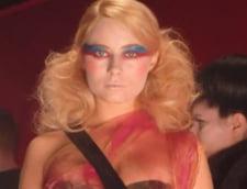 Laura Cosoi, in doua videoclipuri ale trupei Hurts