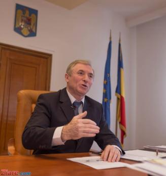 Lazar iese la pensie pe 27 aprilie. Iohannis a semnat decretul