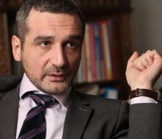 Lazaroiu: Boc ar trebui declarat erou pentru ce a facut, nu pus sa demisioneze