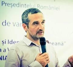 Lazaroiu: Frunzaverde pleaca in partidul celui care se uita pe gaura cheii