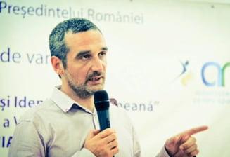"""Lazaroiu: Ponta, """"hot cinstit"""" in ce priveste plagiatul"""