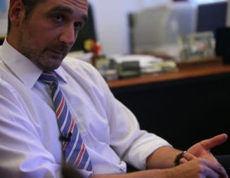 Lazaroiu, despre Victor Ponta: Lanturile sunt comode pentru oameni slabi