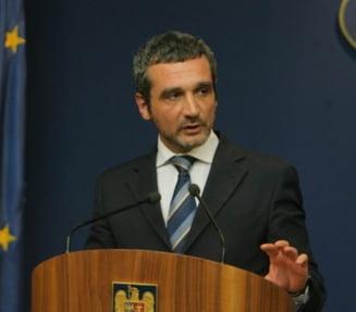 Lazaroiu, numit din nou consilierul lui Basescu