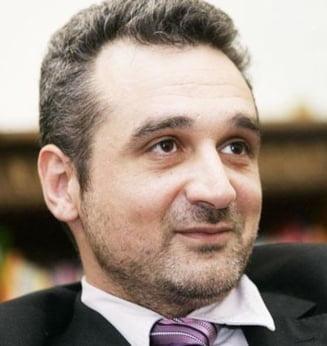 Lazaroiu ironizeaza mogulii: 24 ianuarie 2011 va ramane in istoria presei din Romania