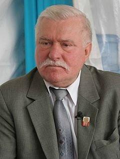 Lech Walesa: Lumea nu trebuie sa joace sah cu Putin, pentru ca acesta boxeaza