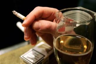 Legatura ciudata dintre tigari si alcool: Ce riscam cand le consumam