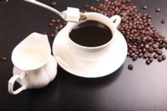Legatura dintre zahar si Alzheimer. Tu cate lingurite pui in ceai sau cafea?