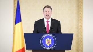 Legea care elimina 102 taxe a fost promulgata de Iohannis