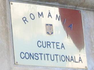 Legea care taie din atributiile CCR trebuie sa treaca chiar de... CCR