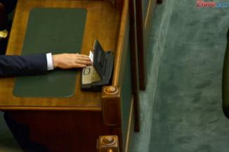 Legea prin care USR voia sa desfiinteze pensiile speciale pentru parlamentari a fost respinsa de Senat