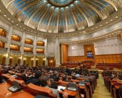 Legea salarizarii bugetarilor a trecut de Parlament si merge la Iohannis la promulgare