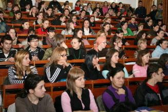 Legea studentilor fara Bac, respinsa de deputati