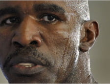 Legendarul Evander Holyfield, din nou in ring la 48 de ani