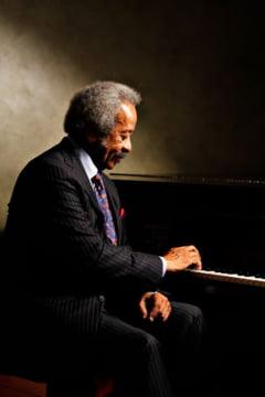 Legendarul pianist Allen Toussaint a murit la 77 de ani