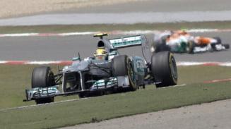 Lewis Hamilton e in pole position la Shanghai