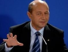 Liberalii din R. Moldova indeamna oamenii sa voteze cu Basescu