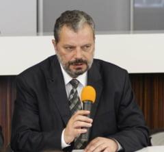 Liberalii nu sunt siguri ca il vor pe Peter Eckstein Kovacs ca Avocat al Poporului. UDMR incearca sa-i convinga (Surse)