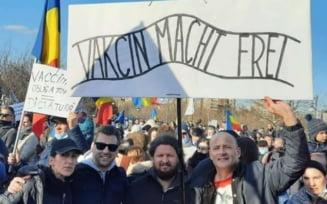 """Liberalul Alexandru Muraru, atac la protestul anti-vaccin si parlamentarii AUR: """"Sloganul folosit este insultator pentru memoria victimelor lagarelor de concentrare naziste"""""""