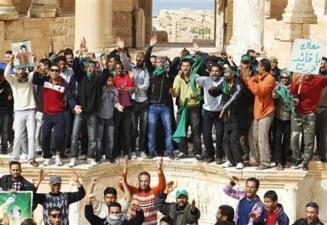 Libia: Diplomatii care au ajutat la evacuarea romanilor se intorc in tara