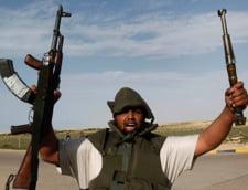 Libia: Un general al lui Gaddafi si 12 soldati au dezertat in Tunisia