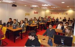 Liceeni din Cluj invata IT gratis
