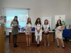 Liceenii din Oradea si Salonta - mai maturi prin YouthBank