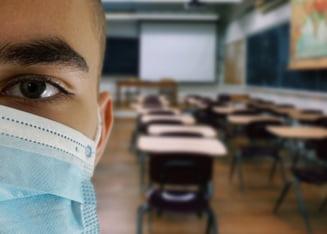 Liceenii nevaccinaţi anti-COVID din Franța nu vor mai intra la cursuri și nici nu vor mai putea participa la activități