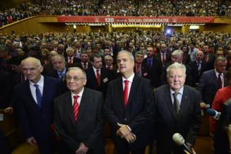 Liderii PSD, alaturi de Nastase in ziua pronuntarii sentintei: Sa-l ajute Dumnezeu!