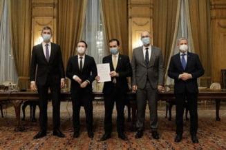 Liderii coalitiei au intrat la negocieri. USR-PLUS merge la discutii cu o propunere pentru Ministerul Sanatatii. Ce conditii au in agenda pentru a ajunge la o intelegere cu liberalii