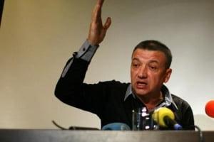 Liderul Miscarii Antimafia din Moldova cere anularea vizitei lui Ponta la Chisinau