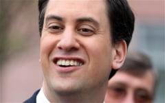 Liderul laburistilor britanici se opereaza la nas ca sa scape de sforait