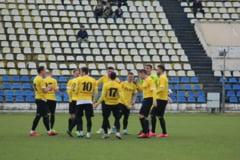 Liga 4 Brasov. AS SR Brasov, victorie cu Aripile Brasov/ Iszak a facut minuni in poarta oaspetilor
