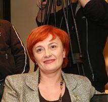 Liliana Minca acuza PD-L ca i-a taiat si incendiat afisele electorale