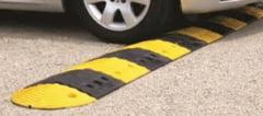 Limitatoare de viteza montate in intersectia mortii de la Oraseni Deal