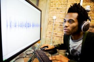 Linistea, contraproductiva - muzica, ascultata la munca, mareste creativitatea