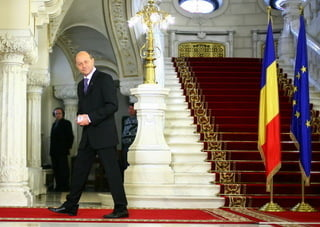 Linistea de mormant a lui Basescu (Opinii)