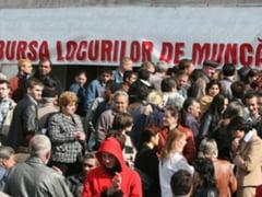 Lipsa locurilor de munca, principala grija in 2014. 58% dintre romani cred ca 2015 va fi mai bun