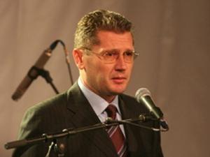 Liviu Negoita continua consultarile cu partidele parlamentare