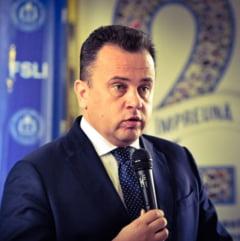 Liviu Pop: Ministerul Educatiei e condus de baronii manualelor. Spagi indirecte si directe de care DNA si presedintele stiu